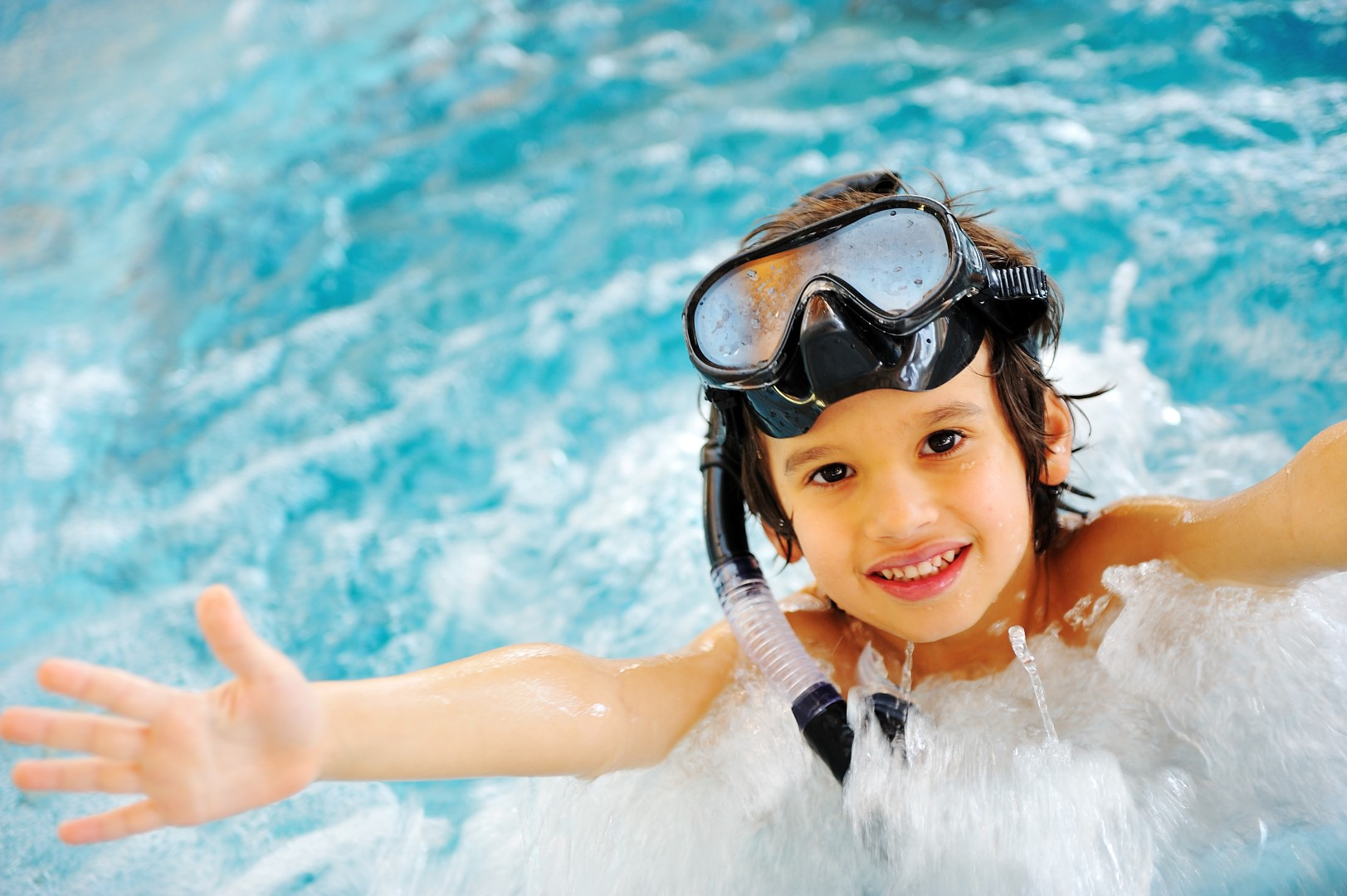 Healthiest pool chlorine alternatives clearwater pool systems for Alternative to chlorine in swimming pools