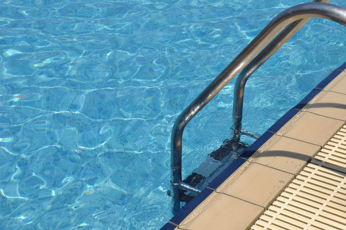 Selecting an ozone swimming pool ionization system for Copper electrodes for swimming pool